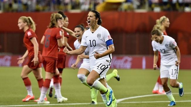 MONTREAL, Canadá. Lloyd, 32 años, 206 partidos internacionales,  celebra su gol ante las alemanas. Y USA está lista para la final el sábado. Foto Getty Images /Fifa.com