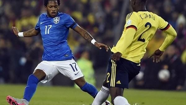 """Fred dio positivo en la Copa América luego del partido frente a Colombia. El diurético encontrado sería hidroclorotiazida, que está prohibido por la Agencia Mundial Antidopaje (WADA). Este no mejora el rendimiento físico y es utilizado normalmente para """"enmascarar"""" otras sustancias. Foto AFP"""