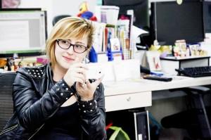 Jennifer, inquieta redactora de fútbol. Foto Esteban Vanegas