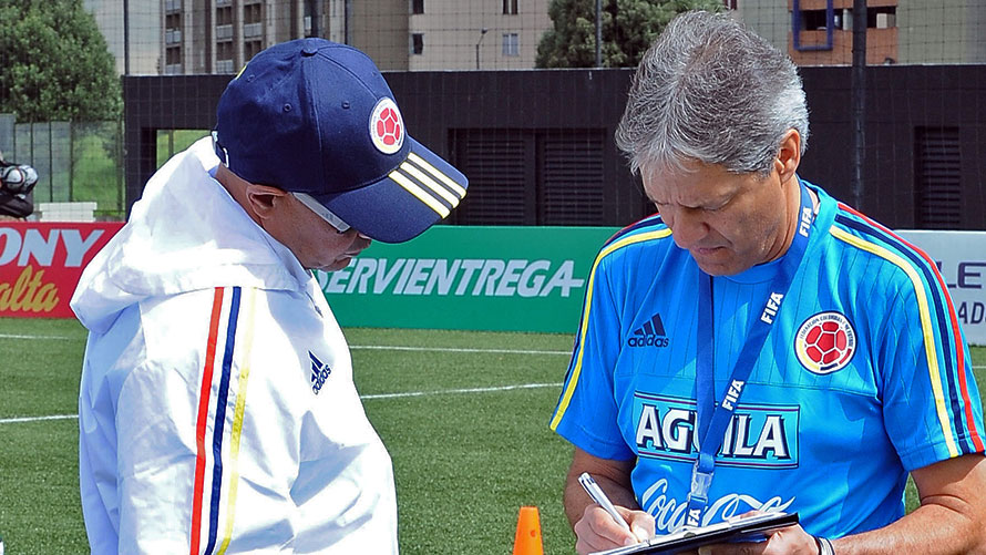 """La Federación nombró a Carlos """"Piscis"""" Restrepo como técnico de la Selecicón preolímpica con su asistente Carlos Paniagua. Foto Colfútbol"""