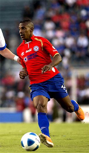 Luis Amaranto Perea, defensa colombiano que definirá pronto si se retira del fútbol o sigue jugando. AFP- El País.com.co