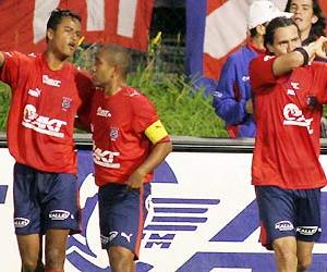 Año 2006. Con la camiseta del DIM. Capitán Néider Morantes y compañero Jaime Castrillón.