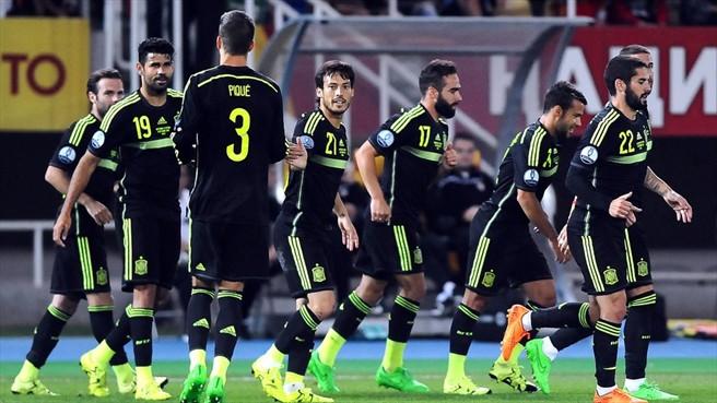 Los jugadores de España lideran el Grupo C con cinco puntos de ventaja sobre la tercera, Ucrania, cuando quedan dos jornadas para el final. Foto ©AFP/Getty Images  / Página web UEFA