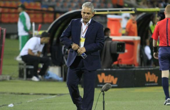 Reinaldo Rueda todavía no entrega lo que será el equipo inivialista para el clásico. Foto tomada del portal Atlético Nacional