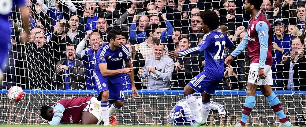 Chelsea volvió a la senda del triunfo con gol Diego Costa que aquí celebra y un autogol de Alan Hutton en el minuto 54 asegurando tres puntos ante el Aston Villa en Stamford Bridge. Foto tomada de la página web del Chelsea.