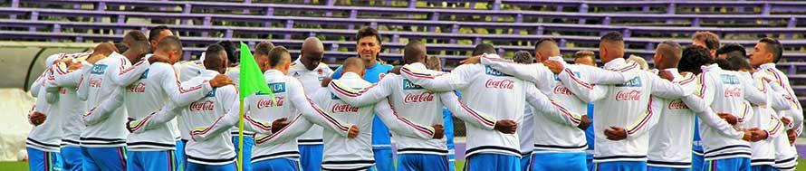 MONTEVIDEO. Selección Colombia en la segunda práctica cumplida el domingo en el estadio Franzini. Foto Colfútbol