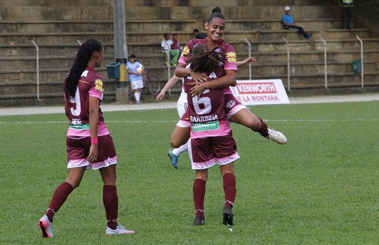 GIRARDOTA. Ferroviaria de Brasil celebra uno de los cuatro goles para victoria ante las uruguayas de Colón. Foto Conmebol