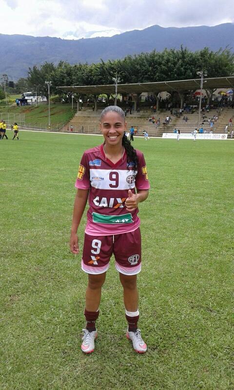 Adriane Dos Saltos, autora de cuatro goles en la victoria de Ferroviaria a Espuce 5 x 0. Foto Carlos Julio Serna /Cápsulas