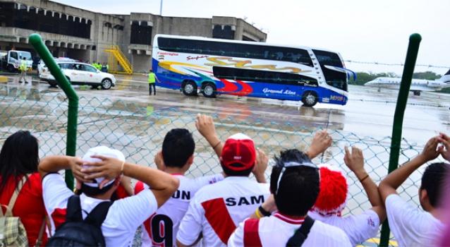 BARRANQUILLA: Hacia las 2:30 p.m. llegó este miércoles la Selección de Perú que buscó como hotel de concentración el Dann. Foto El Heraldo