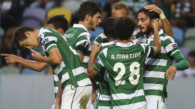 El Sporting goleó al Skënderbeu por 5-1. La sgeunda anotación fue de Fredy Montero, de penal. Foto ©AFP/Getty Images /Página de la UEFA