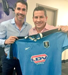 Compartiendo cobertura de EliminatoriasCONMEBOL con su compañero Juan Pablo Angel, 2015