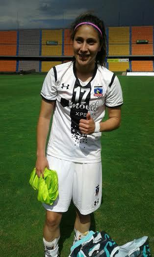 Gloria Villamayor, doblete de Colo Colo que venció a Formas Íntimas. Foto Carlos Julio Serna