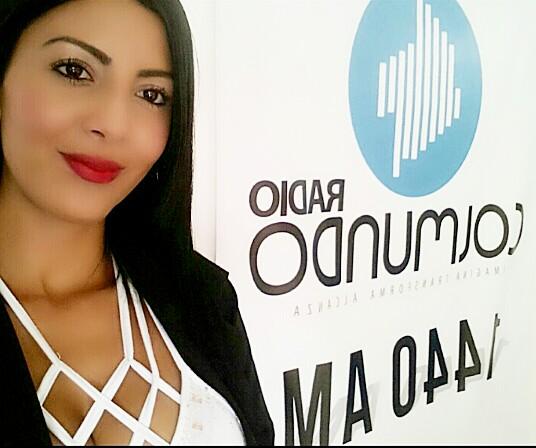 Carolina López para escucharla y seguirla en Colmundo