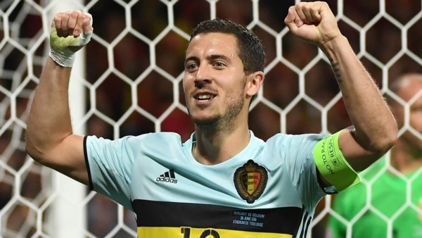 El capitán de Bélgica se echó el equipo a su espalda y fue esencial para un triunfo ante Hungría en los octavos de final de la UEFA EURO 2016. No participó en el 0-1, pero asistió en el 0-2, marcó el 0-3 y celebró el 0-4 desde el banquillo. Foto tomada de la página web de la UEFA.