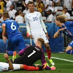 """Islandia, """"fútbol-rugby""""  (Cápsulas de Carreño)"""