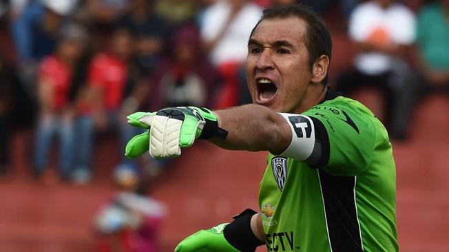Daniel Librado Azcona, paraguayo nacionalziado ecuatoriano, el muro de Independiente del Valle. Foto AFP, tomada del portal fifa.com