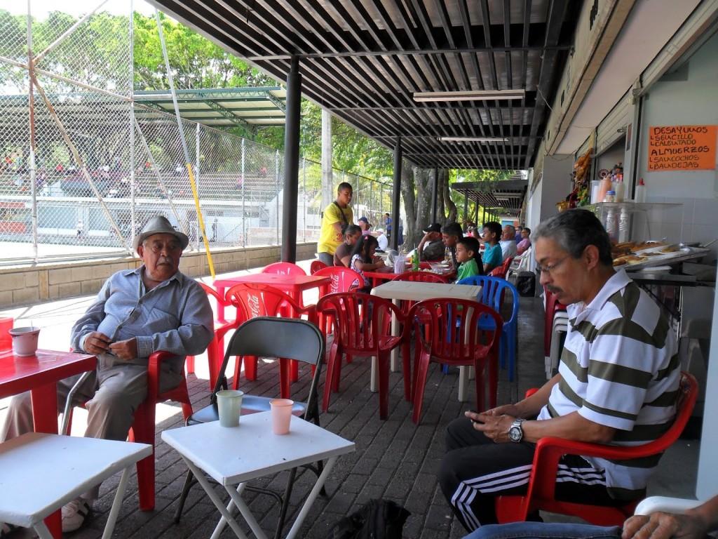 El Viejo Quin de sombrero.Como se extraña por estos lares.  Foto destructordevanidades.blogspot.com
