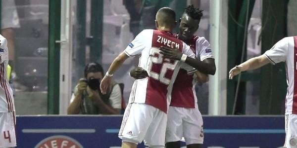 Davinson Sánchez estuvo los noventa minutos con el Ajax de Holanda en el triunfo 1-2 de visitante sobre el Panathinaikos de Grecia.Foto (@EuropaLeague)