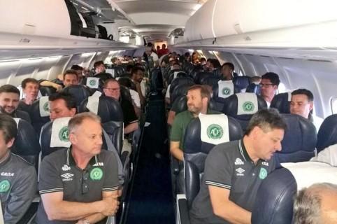 Desapareció el avión que transportaba a Chapecoense / @ElToqueFutbol, tomada de www.pulzo.com