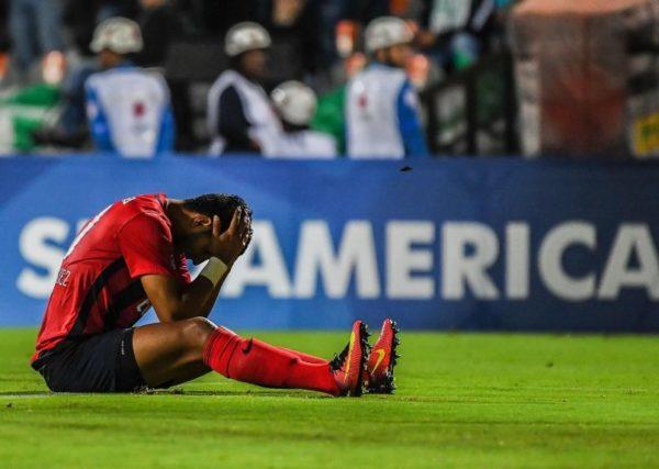 Cerro Porteño, que se armó hace siete meses para enfrentar esta Copa Sudamericana llegó muy lejos y fue digno semifinalista, que opuso total resistencia al clasificado Nacional. Foto tomada del diario ABC Color.