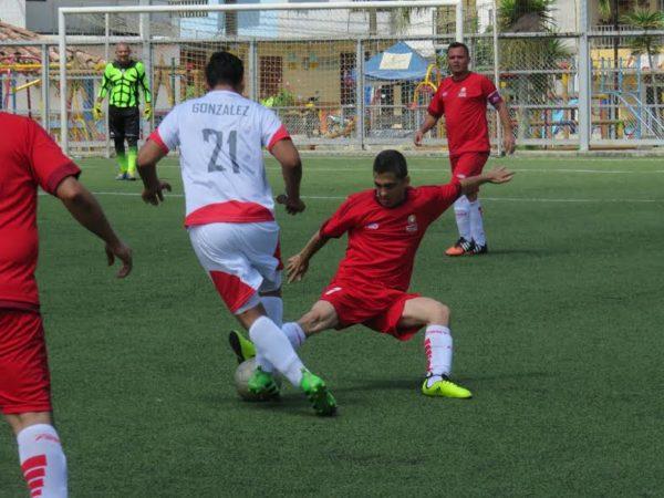 GUARNE. La primera jornada en fútbol deparó la primera goleada de Bogotá a Norte. Foto Centro de Prensa cord Antioquia.