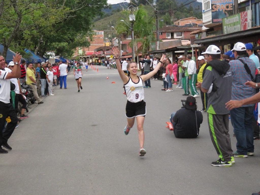 Contraloría de Medellín lidera X Juegos