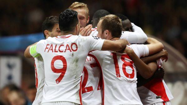 MONACO. En un partido plagado de ocasiones y con los tres goles en cinco minutos, el equipo francés, ya primero del Grupo E, venció por 2-1 al equipo inglés, que peleará por la UEFA Europa League. Foto tomada de la página web de la UEFA.