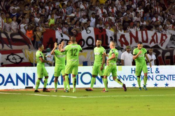 BARRANQUILLA. Los jugadores de Atlético Nacional celebras el tanto anotado de Andrés Ibargüen. Foto Luis Rodríguez, tomada de El Heraldo