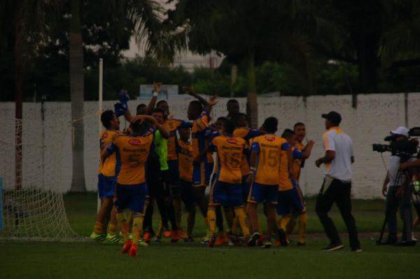 Fútbol Paz, punto alto..  En semifinales de dos categorías. Torneo Las Américas-Cali