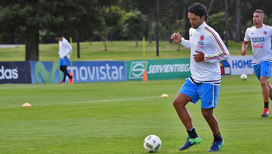 Colombia entrenó en el Arena Botafogo con 16 jugadores