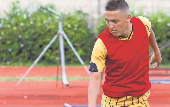 Camilo Pérez ha vestido camisetas de tres equipos antioqueños, ahora como el nuevo capitán de Águilas Doradas. Foto Julio César Herrera / El Colombiano