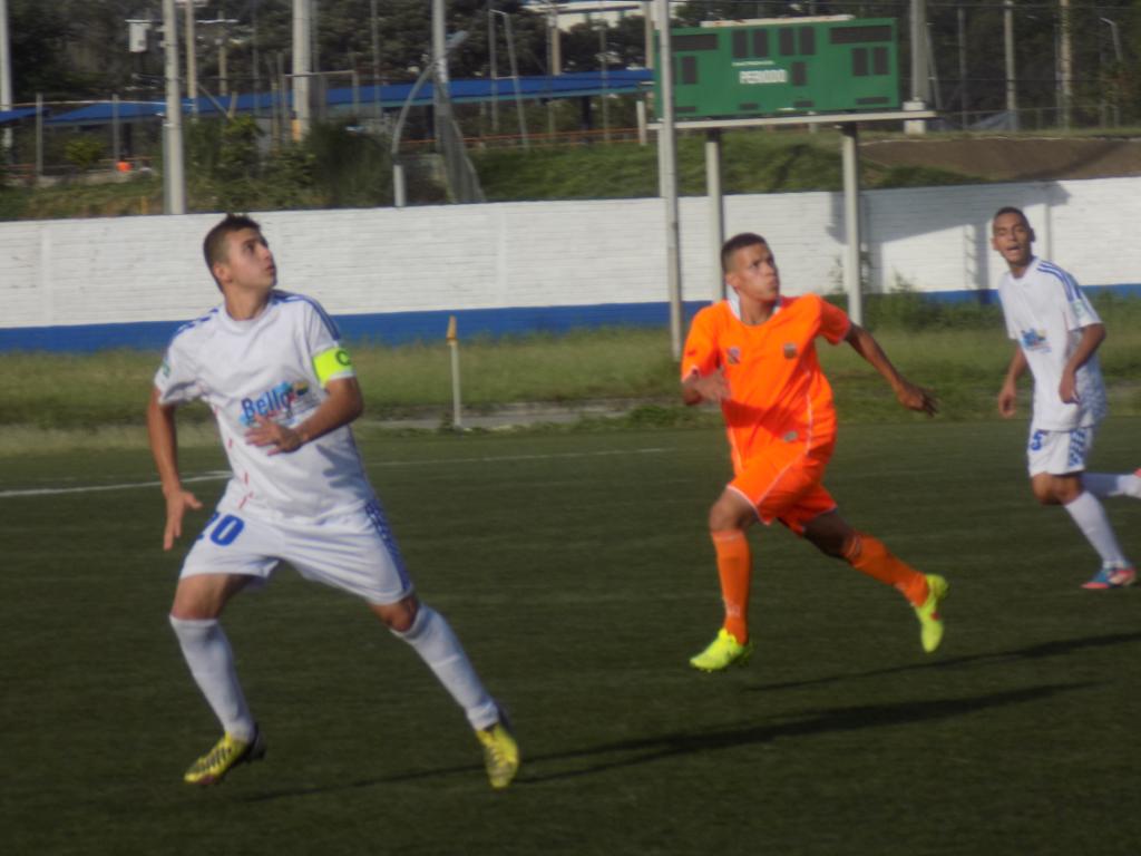 Estadio Tulio Ospina. Victoria de Envigado 3 x 1 ante Deportivo Bello en el Campeonato Nacional Sub-20. Foto Carlos Julio Serna