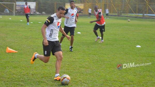 ENVIGADO: Fuerte entrenamiento del DIM pensando en Copa Águila. Una victoria oja lo deja cerca de la clasificacion y sin opción a Rionegro. Foto tomada de la página web del DIMoficial.