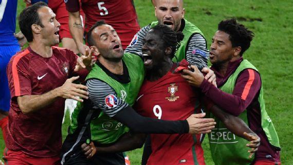 Éder, el héreo y eso que fue prácticamente un relleno que juega en el fútbol francés. Portugal celebra por primera vez el título de la Eurocopa. Foto EFE, tomada de Espn.
