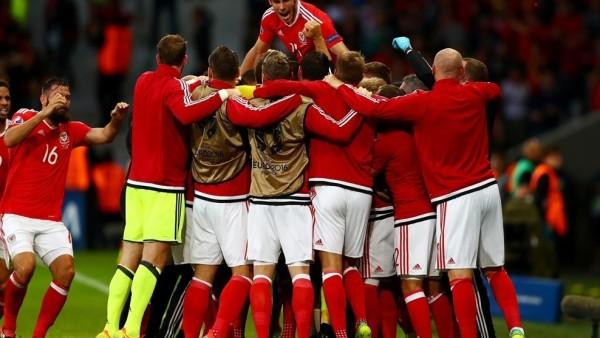La selección galesa remontó el tanto inicial de Nainggolan para meterse por primera vez en su historia en las semifinales de un gran torneo. Foto tomada de la página web de la UEFA.