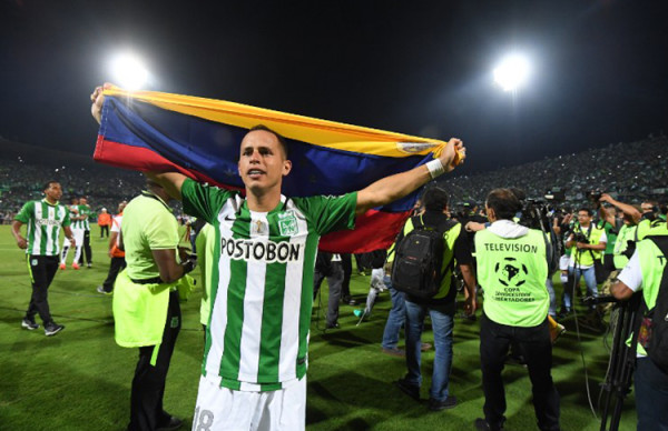 Alejandro Guerra, de Atlético Nacional, es el primer venzolanp en ganar una Copa LIbertadores. Foto tomada de la página de la Conmebol.