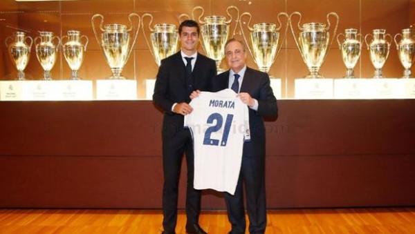 Morata, junto a Florentino Pérez en su presentación - REALMADRID.COM
