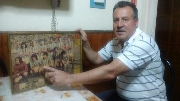 Eduardo Pschaetti evoa aquella formación de Nacional 1976, equipo campeón.